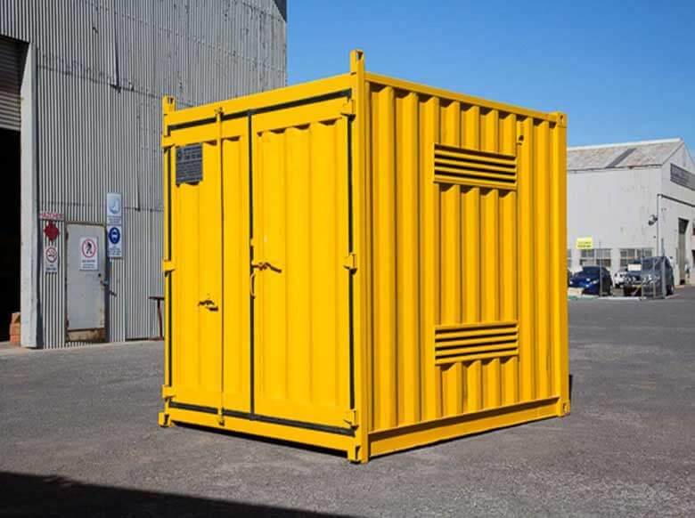 Shipping-Container-Dangerous-004